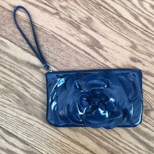 Xhilaration navy wristlet with flower detail